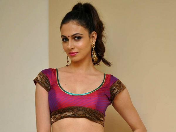 Simran Kaur Mundi | Brahmin Girl Role | Telugu Movie