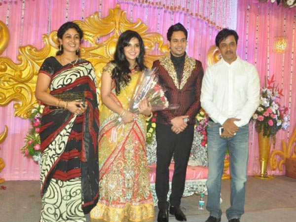 Bharath Jeshly S Wedding Reception Photos Filmibeat