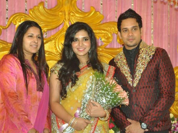 Wedding Reception Photos Tamil Actor Bharath Dr Jeshly