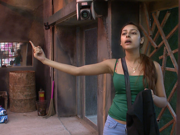 Pratyusha Expressing Her Issue