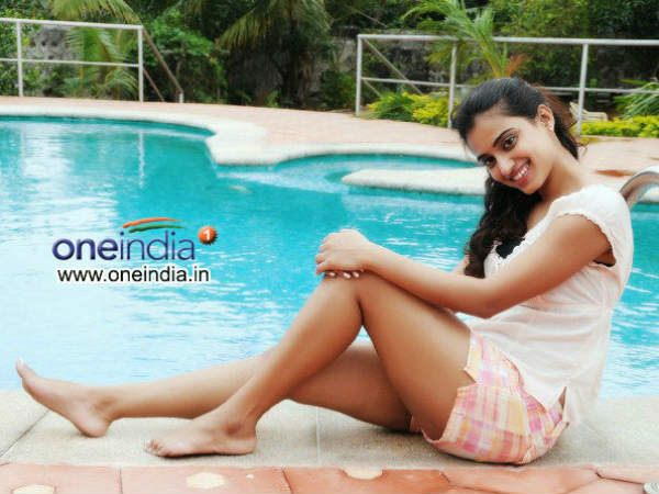 Dimple's Glamour In Mahesh
