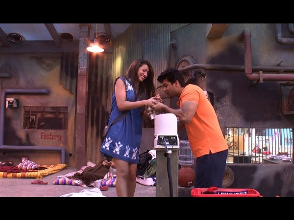 Kushal Helps Gauhar