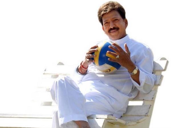 Dr Vishnuvardhan In Sahasa Simha Again! - FilmibeatVishnuvardhan Kannada Actor With Lion