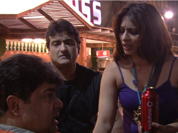 Tanisha Helping Rajat