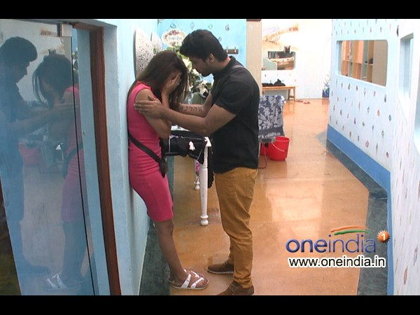Kushal Trying To Console Gauhar