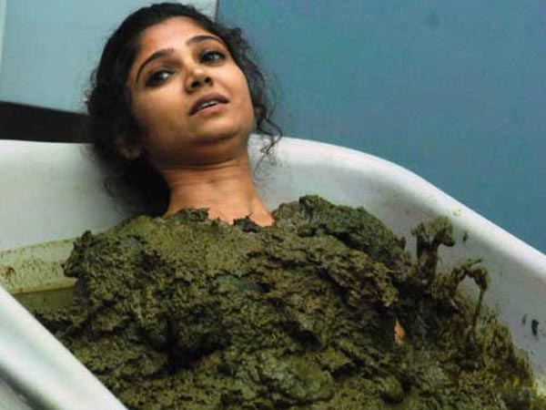 Ratan Rajput Slept In Tub Of Dung