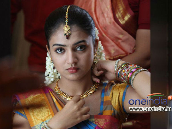 Nazriya Nazim Unhappy With Navel Scene In Naiyaandi