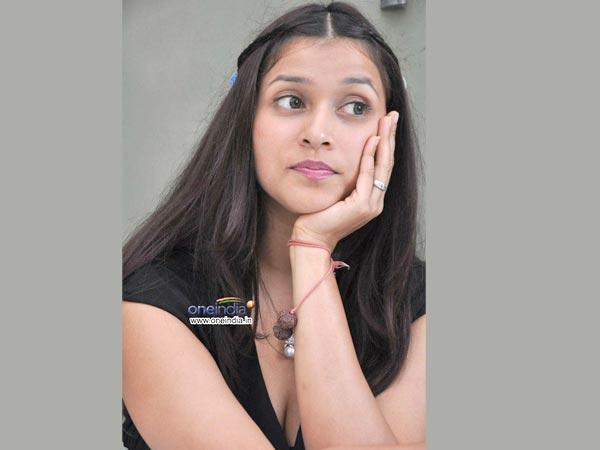 Priyanka Chopra | Barbie Handa | Kannada Movie Ninnale ...