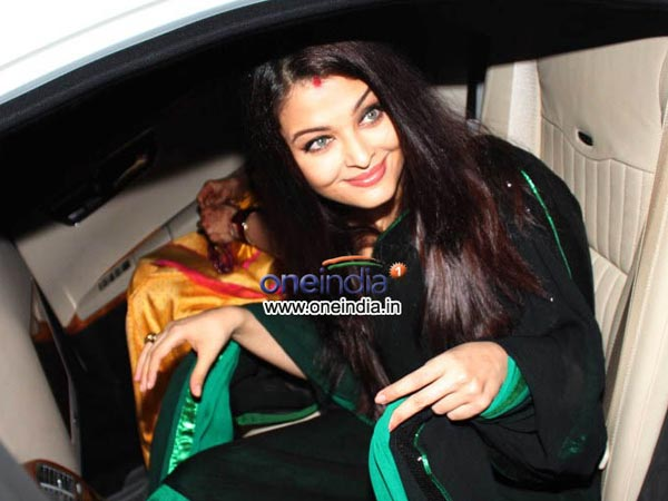 Aishwarya Spotted In Car