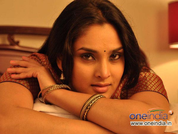 Ramya And Jaggesh In Neer Dose