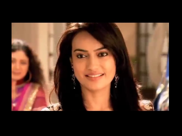 Zoya In Trouble?