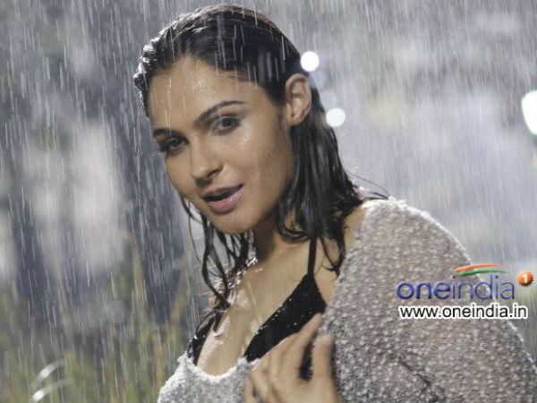 Andrea Jeremiah | Anirudh Ravichander Relationship | On ...
