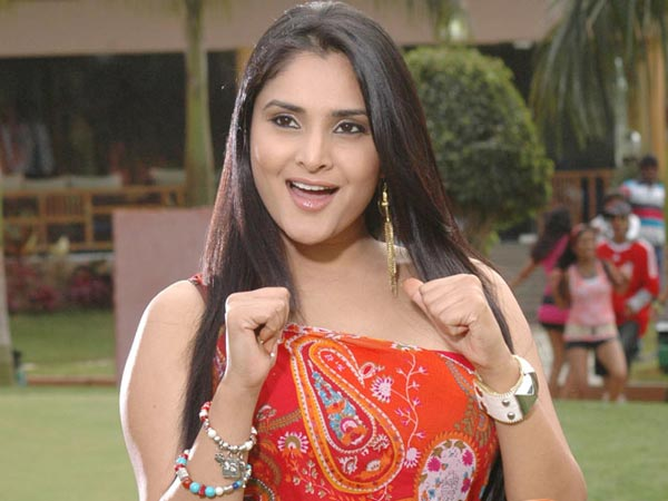 Rumours Of Ramya Not Acting In The Movie