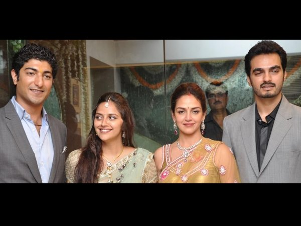 Ahana Deol With Fiancee, Sister, Brother-In-Law