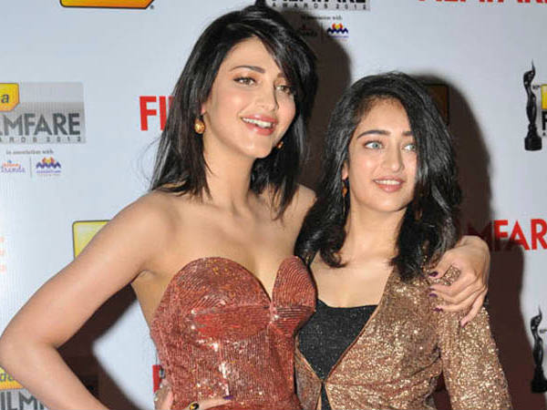 Akshara With Her Sister Shruthi Hassan