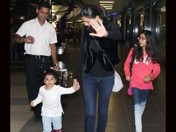 Sushmita Snapped At The Airport