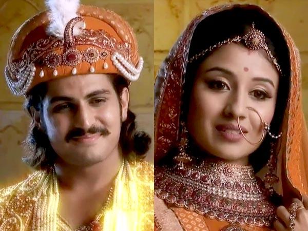 Jalal then prays to Jodha's lord, Krisha, and when Jodha asks what he