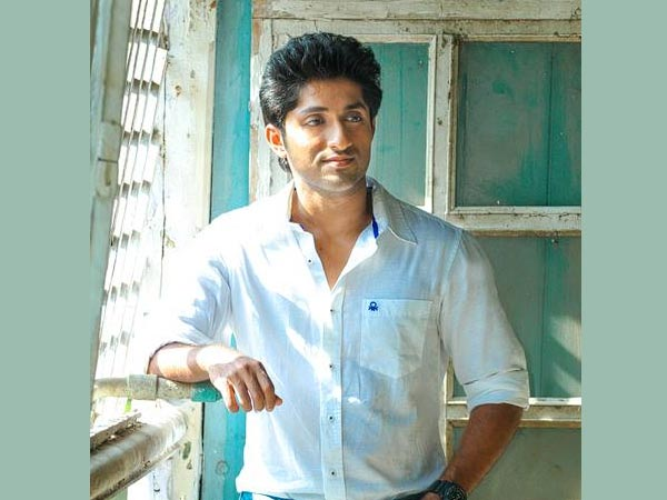 Vineeth Sreenivasan Movie Thira