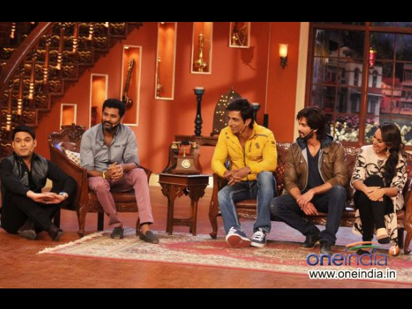 R... Rajkumar On Comedy Nights With Kapil