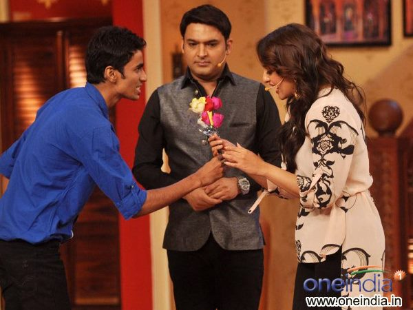 Sonakshi Gets A Rose
