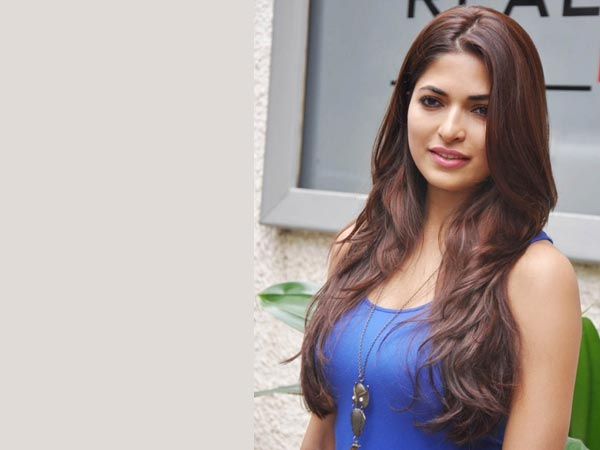 KQ Director Cheated Me Says Parvathy Omanakuttan