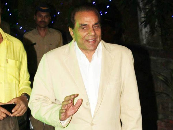 Dharmendra Attends Dilip Kumar's Birthday Party