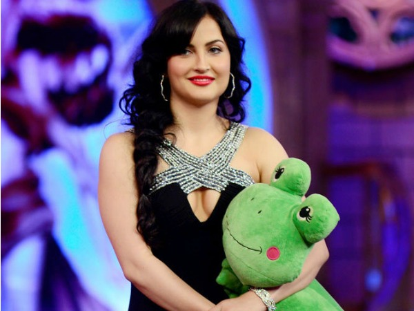 Elli Avram Back On Bigg Boss