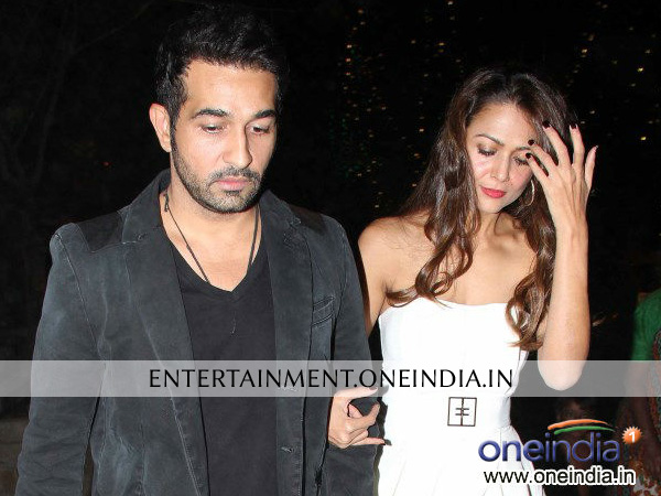 Amrita Arora With Husband Celebrating Christmas