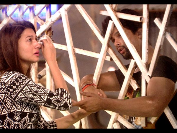 Gauhar Kushal First Friends!