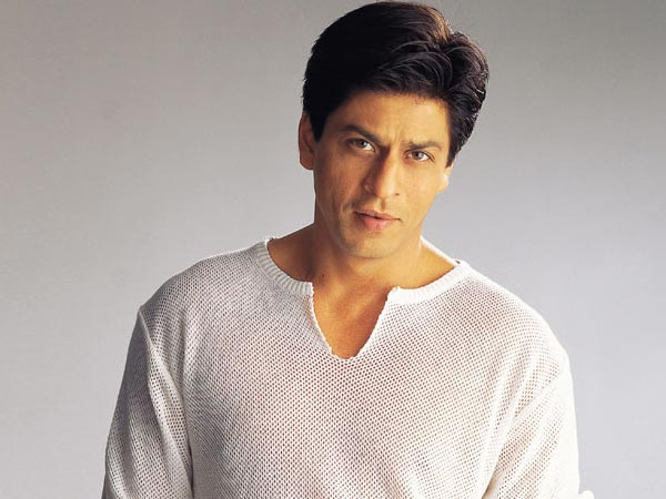 king khan dressed in traditional indian dress desicomments