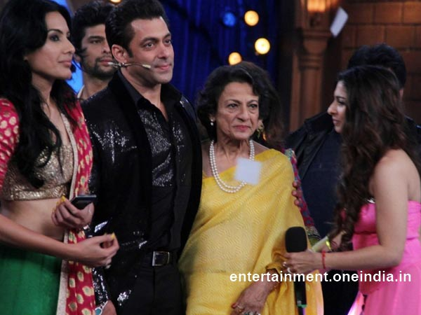 Tanuja At The Finale