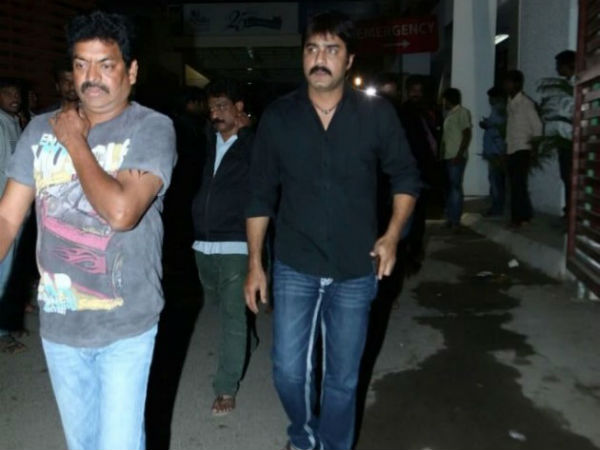 Srikanth Paying Last Respect to Uday Kiran