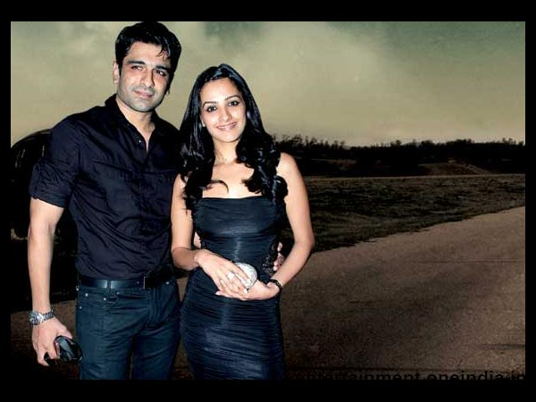 eijaz khan and sara khan - photo #7