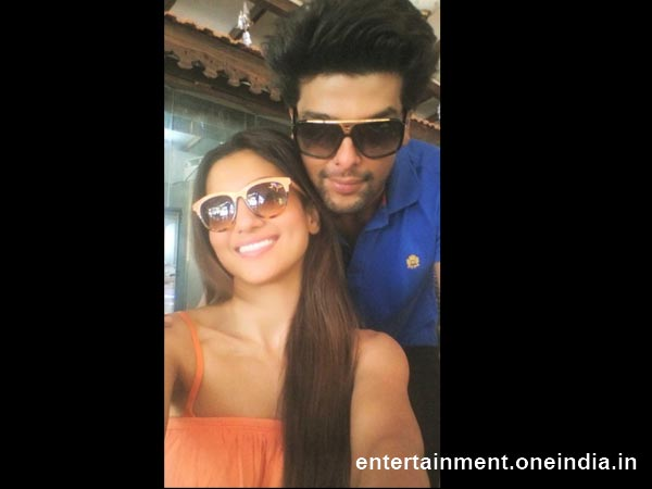 New Year Celebrations of Bollywood Celebrities - Kushal Tandon And Big Boss Winner Gauhar Khan