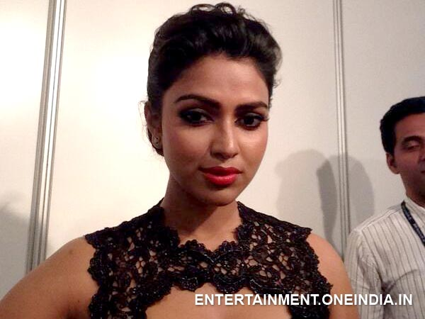 Asianet Film Awards 2014 - Amala Paul Is The Best Actress