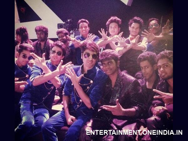 MJ 5 And Loyola Dream Team