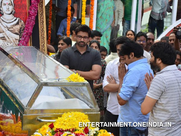 Pawan Kalyan, Trivikram Pay Last Respect To ANR