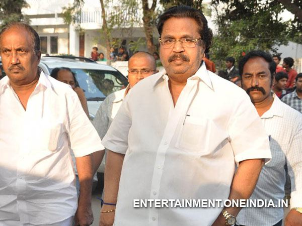 Dasari Pays Last Respect To ANR