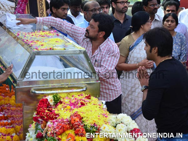 Tharun Pays Last Respect To ANR