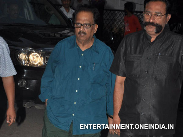 SP Balasubrahmanyam Pays Last Respect To ANR