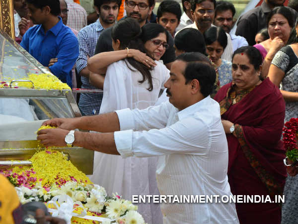 Ram Achant Pays His Last Respect To ANR