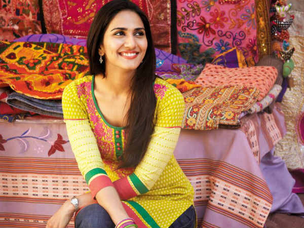 Vaani Kapoor Won Filmfare Best Debut Female