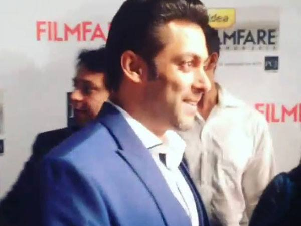 Salman Khan At Filmfare Awards 2014