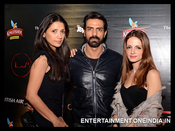 Arjun with Sussanne and Mehr Jessia