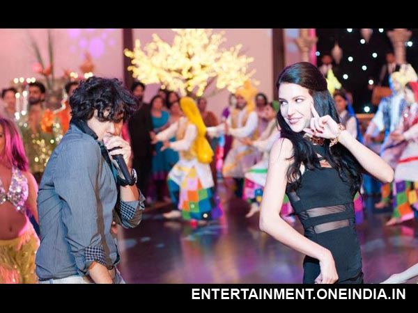 Isabel Kaif's Dr. Cabbie - First Look
