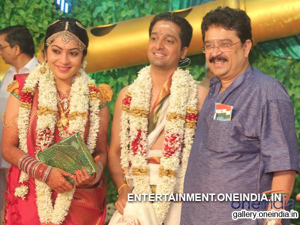 Marriage Photo: VJ Ramya-Aparajith With Guest