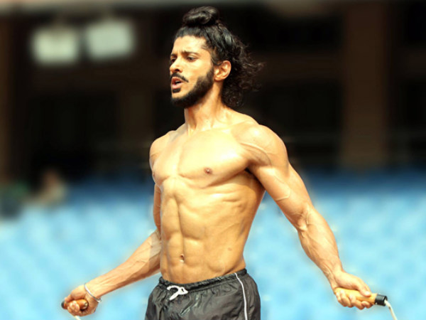 Farhan Akhtar Delivered His Career Best Performance In Bhaag Milkha Bhaag