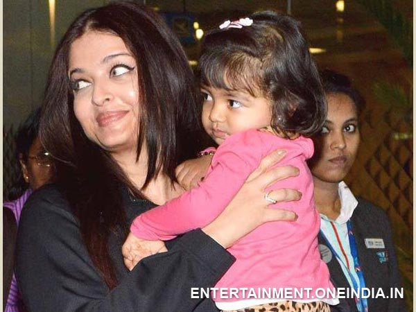 Aishwarya With Beti At The Airport