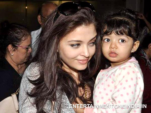 Aishwarya With Beti And Mom