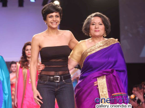 Photo: Mandira Bedi Turns Showtopper At Lakme Fashion Week 2014